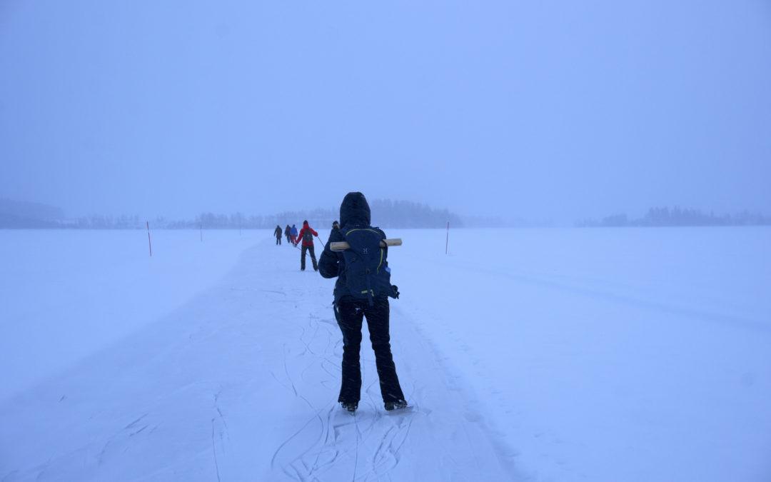 Långfärdsskridskor på Tavelsjö